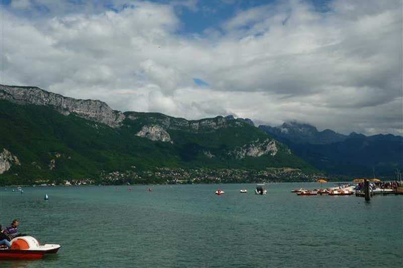 LATHUILE-lake-annecy